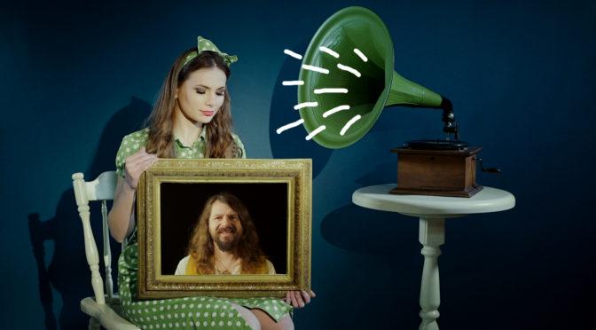 """Руки зі стін, цукерки, відьми та інший сюрреалізм у новому кліпі гурту Рокаш """"Катерино"""""""